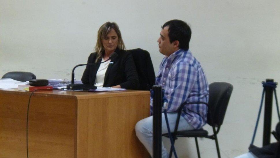 La defensora pública pidió que César Bahamonde cumpla arresto domiciliario en un templo protestante.