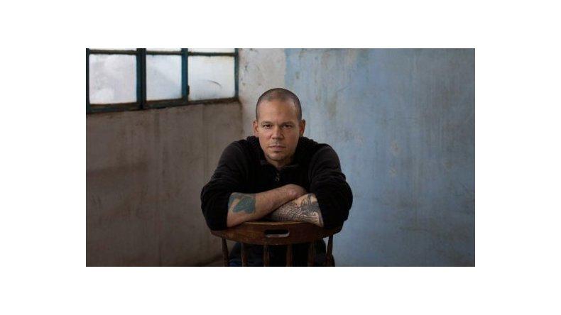 René de Calle 13 fue denunciado por promover la discriminación