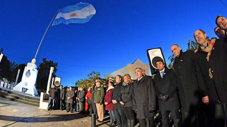 Das Neves encabezó el acto por los 207 años de la Revolución de Mayo