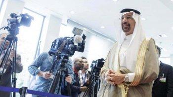 El ministro de Petróleo de Kuwait, Essam al-Marzouq, anunció que la rebaja en la producción de la OPEP se mantendrá en 1,2 millón de barriles diarios.