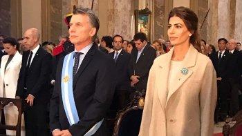 El presidente Mauricio Macri y su esposa durante el Tedéum que se celebró en la catedral metropolitana.