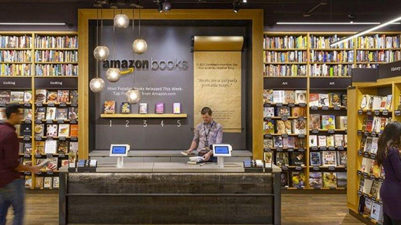Amazon inauguró su primera  librería física en Nueva York
