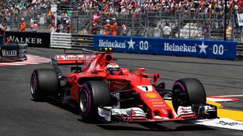 La Ferrari de Kimi Raikkonen que ayer dominó la clasificación en el circuito de Montecarlo.