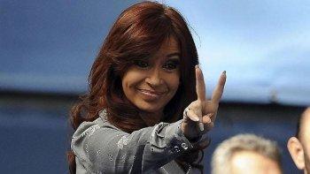 Cristina Kirchner mantiene abierta la posibilidad de postularse a una banca en el Congreso por la provincia de Buenos Aires en las elecciones legislativas de octubre.