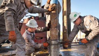 La producción petrolera nacional sufrió una baja de más del 7% en el primer trimestre de este año.