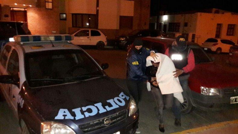 La Policía Federal detuvo a una mujer investigada de comercializar cocaína en la modalidad de delivery.