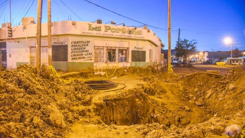 Sergio es propietario de dos comercios que quedaron destruidos: La Princesa y La Porteña. Ahora espera que tapen un agujero