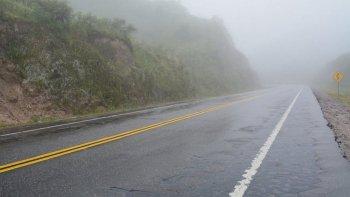 rutas humedas con heladas y bancos de niebla