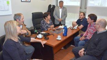 la universidad se opone a la instalacion de la central nuclear en la patagonia