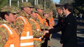 En nombre de la comunidad, autoridades municipales reconocieron el trabajo del Ejército durante el temporal.