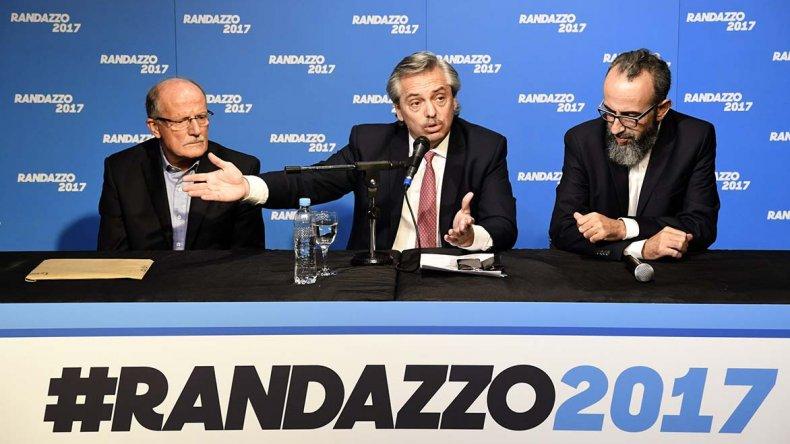Randazzo presenta los avales para competir en las PASO.