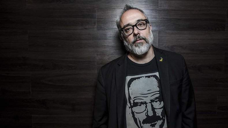 El cineasta español estrena el film El Bar.