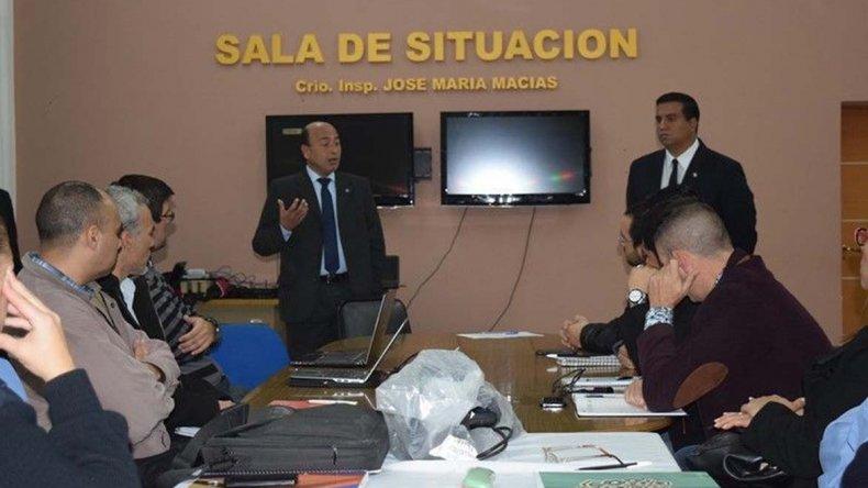 El personal de las divisiones especiales de la Policía del Chubut se capacita con especialistas de Interpol.
