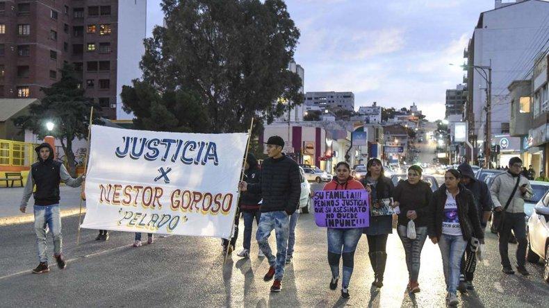 Los familiares de Néstor Goroso marcharon ayer para que la causa de homicidio no quede impune.