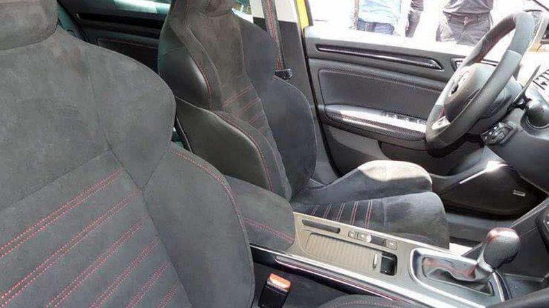 Renault Mégane R.S. fue visto sin camuflaje