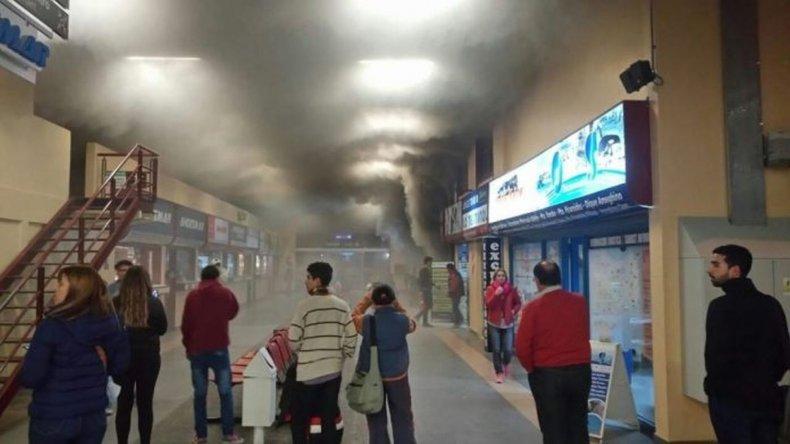 Principio de incendio obligó a evacuar la terminal de Puerto Madryn