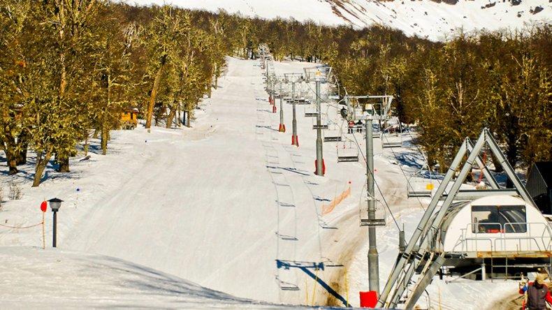 El alquiler de equipo de esquí cuesta desde 530 a 620 pesos por día de acuerdo a la temporada.