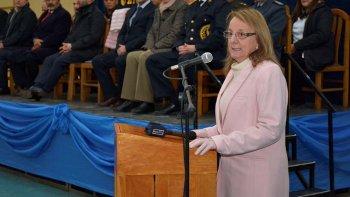 Alicia Kirchner presidió el acto alusivo al aniversario del Instituto de Formación Policial que hasta el año 2013 revestía el nombre de Escuela de Cadetes.