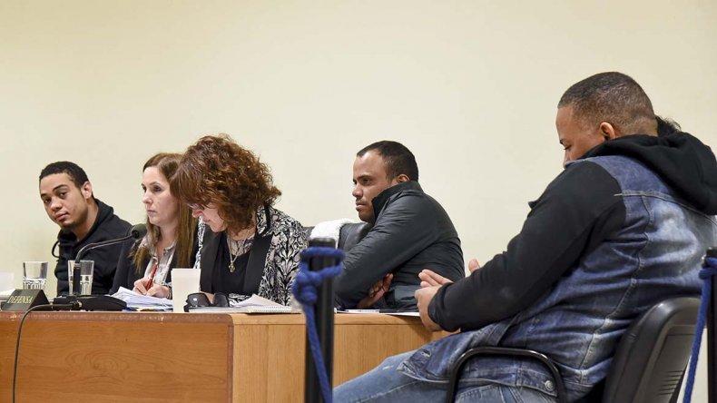 Comenzó ayer el juicio oral y público contra la banda de dominicanos que robaba celulares.