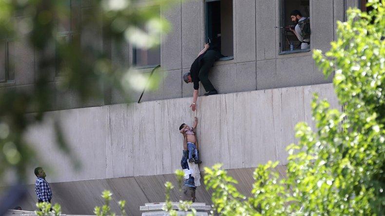 El terror del Estado Islámico llegó por primera vez a Irán.