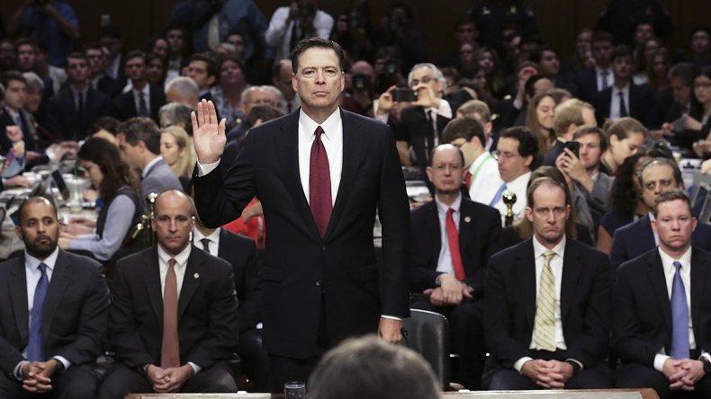 El ex director del FBI acusó al gobierno de Trump de haberlo presionado para que abandone investigación del rusiagate.