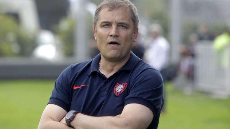 Diego Aguirre afirmó que continuará al frente de la dirección técnica de San Lorenzo.