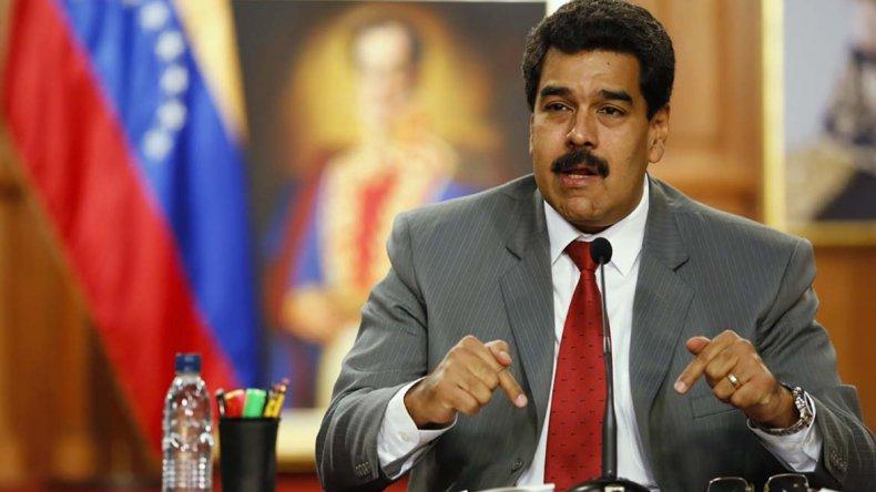 Nicolás Maduro aseguró que su país cuenta con recursos para pagar la deuda externa de este año y del próximo.