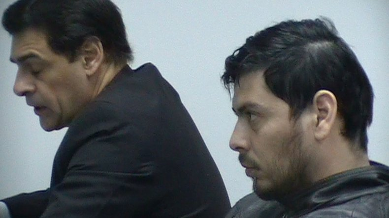 El imputado Jorge Carrasco junto a su defensor en audiencia