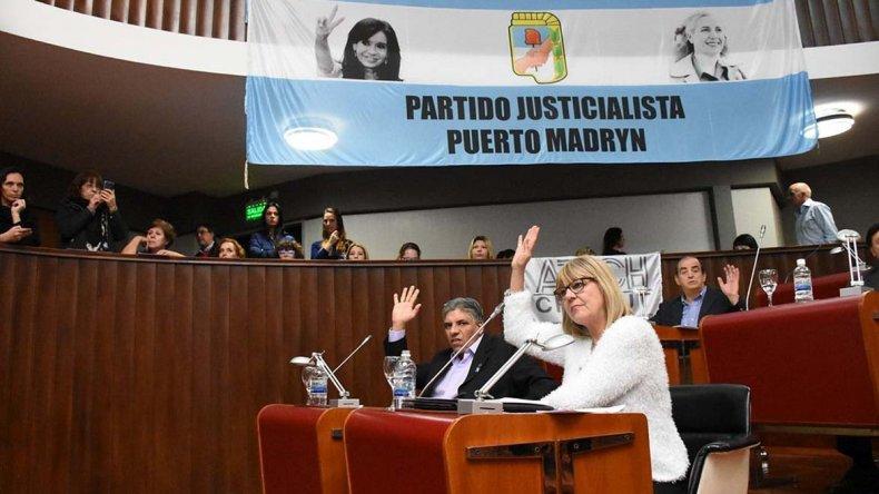 Con 17 votos de legisladores de la oposición se aprobó la iniciativa en la sesión de ayer.