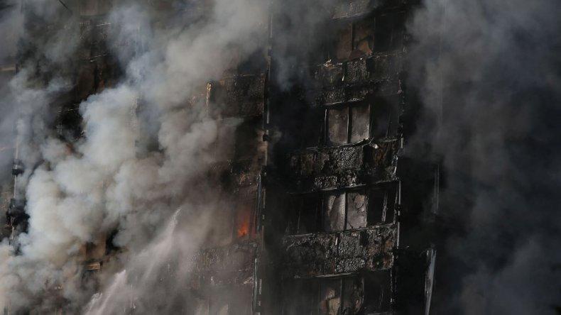 Londres: Incendio en Torre Grenfell. Foto: Télam.