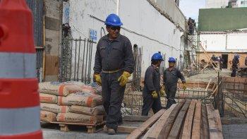 En Comodoro Rivadavia se duplicó la tasa de desocupación con una importante incidencia en áreas como la construcción.