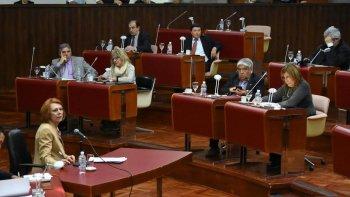 la sesion para tratar el pliego de garcia blanco se suspendio por falta de quorum