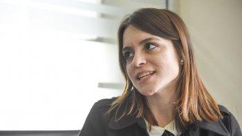 La coordinadora de los grupos de autoayuda de la Fundación Volver a Empezar, Florencia Godoy, invitó a las mujeres a participar de los encuentros que comenzarán hoy en el Museo del Petróleo.