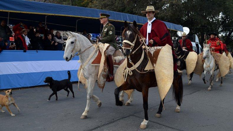 Unos 4.700 gauchos de 98 fortines de Salta y de provincias vecinas participaron del desfile en honor a Güemes.