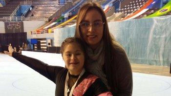 Camila Gallardo junto a su técnica Antonella Tiglio.