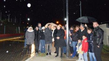 Con la inauguración del alumbrado público en la calle Campo Durán se iniciaron los actos por el aniversario de Cañadón.