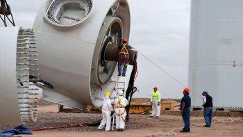 El desarrollo de la energía eólica debería emplear mano de obra regional, sostienen los empresarios de Chubut.