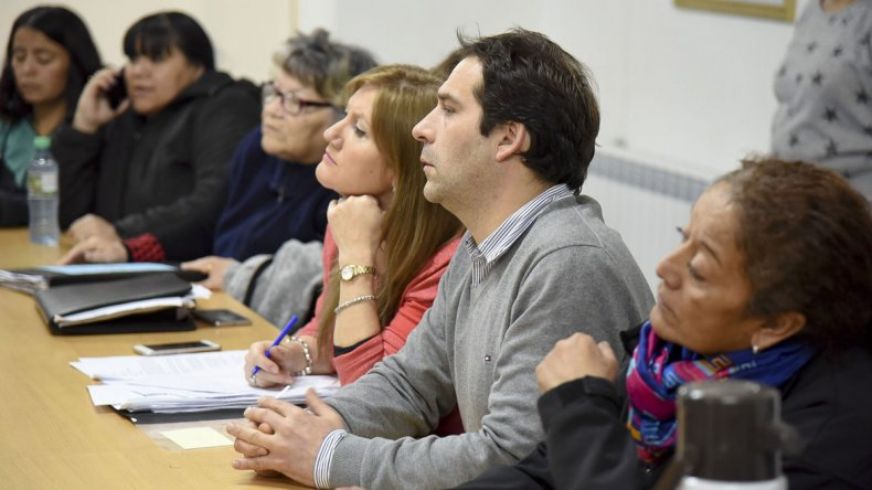 La reunión que el viceintendente y concejales del FpV mantuvieron ayer con vecinalistas.