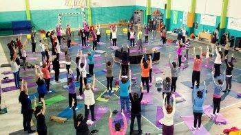 rada tilly tendra su 2º festival de yoga internacional