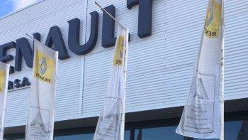 La concesionaria situada en la zona de El Infiernillo ayer fue cerrada ante las falencias detectadas en el edificio.