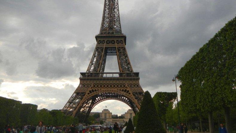 Un maratónico viaje a la Torre Eiffel