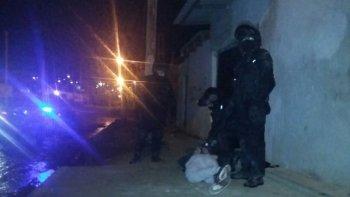 detuvieron a un hombre con 32 envoltorios de cocaina