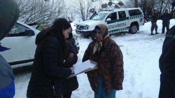 asistieron a comunidad de leleque aislada por la nieve
