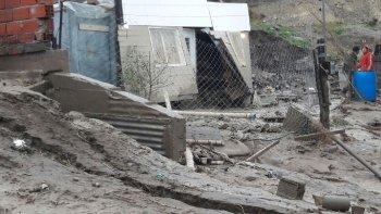 La fuerza del agua hizo que las paredes de la vivienda cediera. Foto: Martín Pérez