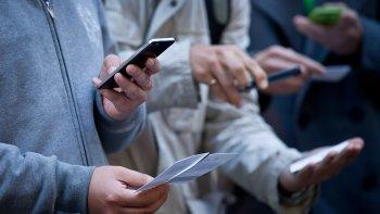 Las empresas de telefonía móvil tienen 15 días para presentar un plan de mejora del servicio.
