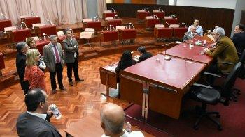 La sesión de ayer en la Legislatura se suspendió por falta de quórum.