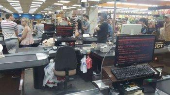 Supermercado en Kiev, Ucrania, afectado por un nuevo ciberataque mundial.
