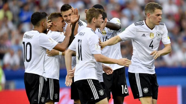 Alemania goleó a México y jugará la final con Chile