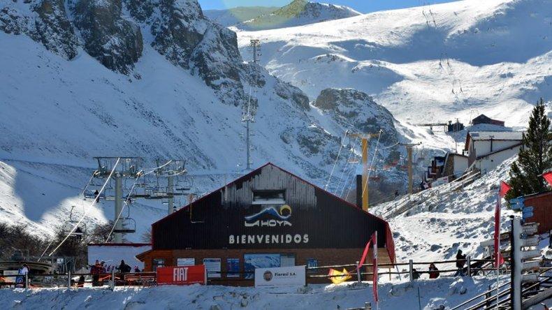 Mañana inauguran la temporada de ski de La Hoya