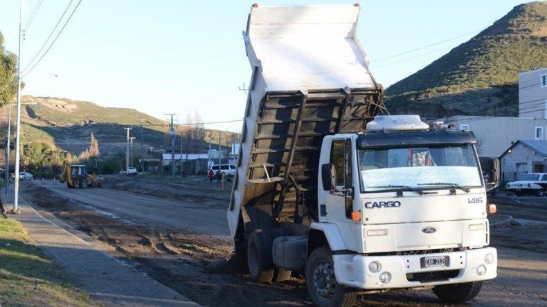 Las tareas para mejorar temporalmente la traza vial en la avenida Beltrán
